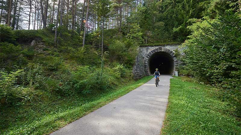 Tunel v Gornjem Doliču.